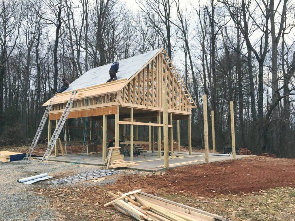 Pole barn spear builders of va for Pole construction homes